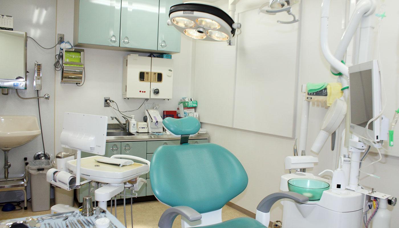 奈良・宇陀市の松田歯科医院ではインプラント治療専用のオペ室が完備しております
